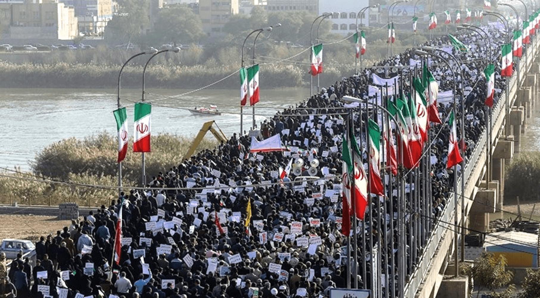 İran mühasirəsi daralır: Xalq üsyana təhrik edilir